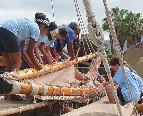 Students learned to tie knots and raise the mast of the Mo'olele canoe built in 1976.